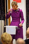 Maxima ontvangt Machiavelliprijs 2011.<br /> <br /> Prinses Máxima is onderscheiden voor haar wijze van communiceren. In perscentrum Nieuwspoort in Den Haag ontvangt zij de Machiavelliprijs 2011. Deze prijs gaat elk jaar naar iemand die uitblinkt op het gebied van publieke communicatie.<br /> <br /> Maxima receives Machiavelli Prize 2011.<br /> <br /> Princess Maxima is distinguished for its way of communicating. In Nieuwspoort press center in The Hague, she receives the Price Machiavelli 2011. This award goes annually to someone who excels in the field of public communication.<br /> <br /> Op de foto / On the photo:  Prinses Maxima tijdens de uitreiking van de door haar gewonnen Machiavelliprijs 2011 // Princess Maxima during the presentation of its won Machiavelli Price 2011