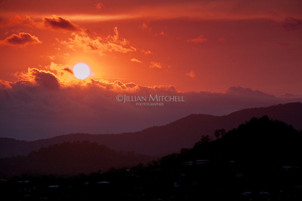 Gorgeous sunset in Airlie Beach, gateway to the Whitsunday Islands, Queensland.