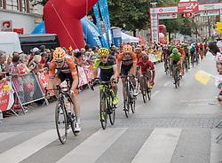 08.07.2017, Wels, AUT, Ö-Tour, Österreich Radrundfahrt 2017, 6. Etappe von St. Johann/Alpendorf nach Wels (203,9 km), im Bild das Feld in Wels, Oberösterreich // the peleton at Wels Upper Austria during the 6th stage from St. Johann/Alpendorf to Wels (203,9 km) of 2017 Tour of Austria. Wels, Austria on 2017/07/08. EXPA Pictures © 2017, PhotoCredit: EXPA/ Reinhard Eisenbauer