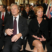 NLD/Naarden/20070406 - Mattheus Passion 2007, voorzitter Nederlandse Bachvereniging Aart van Bochove en partner