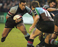 Photo: Ian Hebden.<br />Bedford Blues v Harlequins. National League Division 1.<br />03/12/2005.<br />Junior Paramore (L) breaks from the pack.