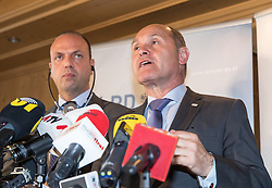 13.05.2016, Gries am Brenner, AUT, Grenzmanagment am Brenner, PK Sobotka und Alfano, im Bild v.l. Italiens Innenminister Angelino Alfano, Österreichs Innenminister Wolfgang Sobotka // f.l.t.r. Italian Interior Minister Angelino Alfano Austrian Interior Minister Wolfgang Sobotk during a Meeting of Austrians Interior Minister Sobotka with Italian counterpart Alfano at Gries am Brenner, Austria on 2016/05/13. EXPA Pictures © 2016, PhotoCredit: EXPA/ Johann Groder