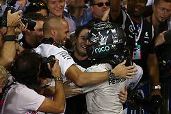 Rennen des Grand Prix von Abu Dhabi auf dem Yas Marina Circuit / 2711162nd place and new world champion Nico Rosberg (GER) Mercedes AMG Petronas F1 W07.<br /> 27.11.2016. Formula 1 World Championship, Rd 21, Abu Dhabi Grand Prix, Yas Marina Circuit, Abu Dhabi, Race Day.