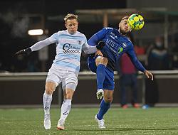 Valon Ljuti (HB Køge) og Jeppe Kjær (FC Helsingør) under kampen i 1. Division mellem HB Køge og FC Helsingør den 4. december 2020 på Capelli Sport Stadion i Køge (Foto: Claus Birch).