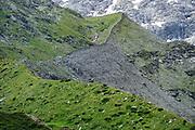 Glacier moraine (Schlatenkees, Großglockner). High Tauern National Park (Nationalpark Hohe Tauern), Central Eastern Alps, Austria | Ufermoräne, Moränenwall vom Schlatenkees ein Gletscher am Großglockner. Nationalpark Hohe Tauern, Osttirol in Österreich