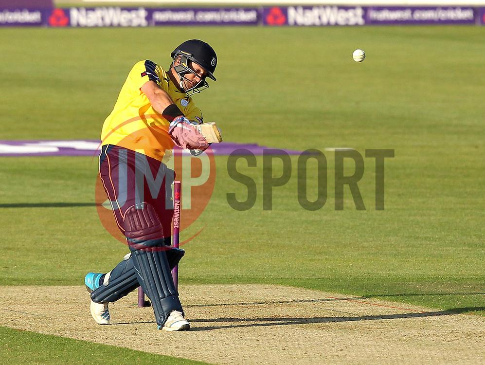Hampshire's Sean Ervine - Photo mandatory by-line: Robbie Stephenson/JMP - Mobile: 07966 386802 - 04/06/2015 - SPORT - Cricket - Southampton - The Ageas Bowl - Hampshire v Middlesex - Natwest T20 Blast