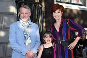 Wereldpremière van Hans Klok's House of Horror in Koninklijk Theater Carré.<br /> <br /> Op de foto: <br />  Chazia Mourali met haar partner Marc Schroder en dochter Jasmijn