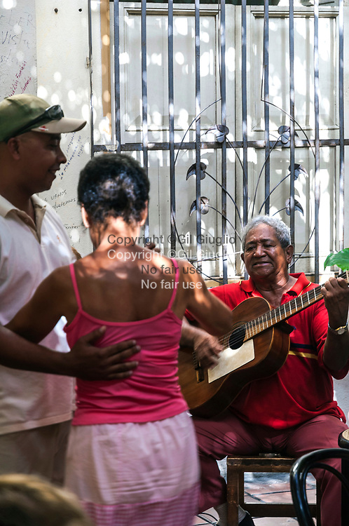 Cuba, Santiago de Cuba, centre historique, arrière cour du cabaret salsa Casa de la Trova // Cuba, Santiago de Cuba, old historic city center, backyard of Casa de la trova salsa club