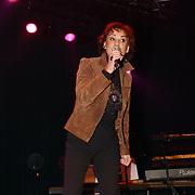 Corrie Konings 35 jaar in vak, Jose Hoebee zingend