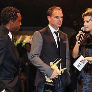 NLD/Amsterdam/20121013- LAF Fair 2012 VIP Night, prijsoverhandiging aan Ruud Gullit door Frank de Boer, Victoria Koblenko
