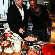 NLD/Amsterdam/20100201 - Presentatie boek Koken voor Kika, Gordon Heuckeroth en Ramon Beuk