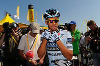 CYCLING - TOUR DE FRANCE 2011 - STAGE 1 - Passage du Gois La Barre-de-Monts > Mont des Alouettes Les Herbiers (191,5 km) - 02/07/2011 - PHOTO : JULIEN CROSNIER / DPPI - ALBERTO CONTADOR (ESP) / SAXO BANK SUNGARD