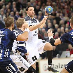 Flensburg, 08.02.17, Sport, Handball, DKB Handball Bundesliga, Saison 2016/2017, SG Flensburg-Handewitt - THW Kiel : Marko Vujin (THW Kiel, #41), Henrik Toft Hansen (SG Flensburg-Handewitt, #23) beim Spiel in der Handball Bundesliga, SG Flensburg-Handewitt - THW Kiel.<br /> <br /> Foto © PIX-Sportfotos *** Foto ist honorarpflichtig! *** Auf Anfrage in hoeherer Qualitaet/Aufloesung. Belegexemplar erbeten. Veroeffentlichung ausschliesslich fuer journalistisch-publizistische Zwecke. For editorial use only.