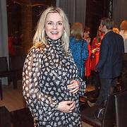 NLD/Amsterdam/20160306 - Modeshow Mart Visser 2016, Zwangere Suze Mens