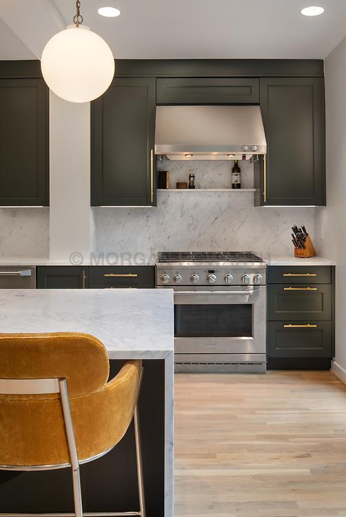 2813 89th Street Kitchen and exterior VA 2-174-311