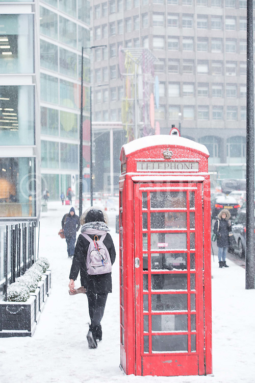 Fresh snow along Buckingham Palace Road following the arrival of Storm Emma which is set to bring further widespread disruption to many parts of the UK on 2nd March 2018 in Central London, London, United Kingdom. Freezing weather conditions dubbed the Beast from the East brings snow and sub-zero temperatures to the UK.