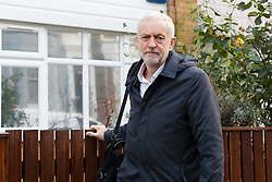 © Licensed to London News Pictures. 26/11/2018. London, UK.  JEREMY CORBYN, the Labour Party leader leaves his north London home this morning. Mr Corbyn has said that the Labour Party will vote against the Prime Minister, Theresa May's Brexit deal when MP's vote in parliament early next month.  Photo credit: Vickie Flores/LNP