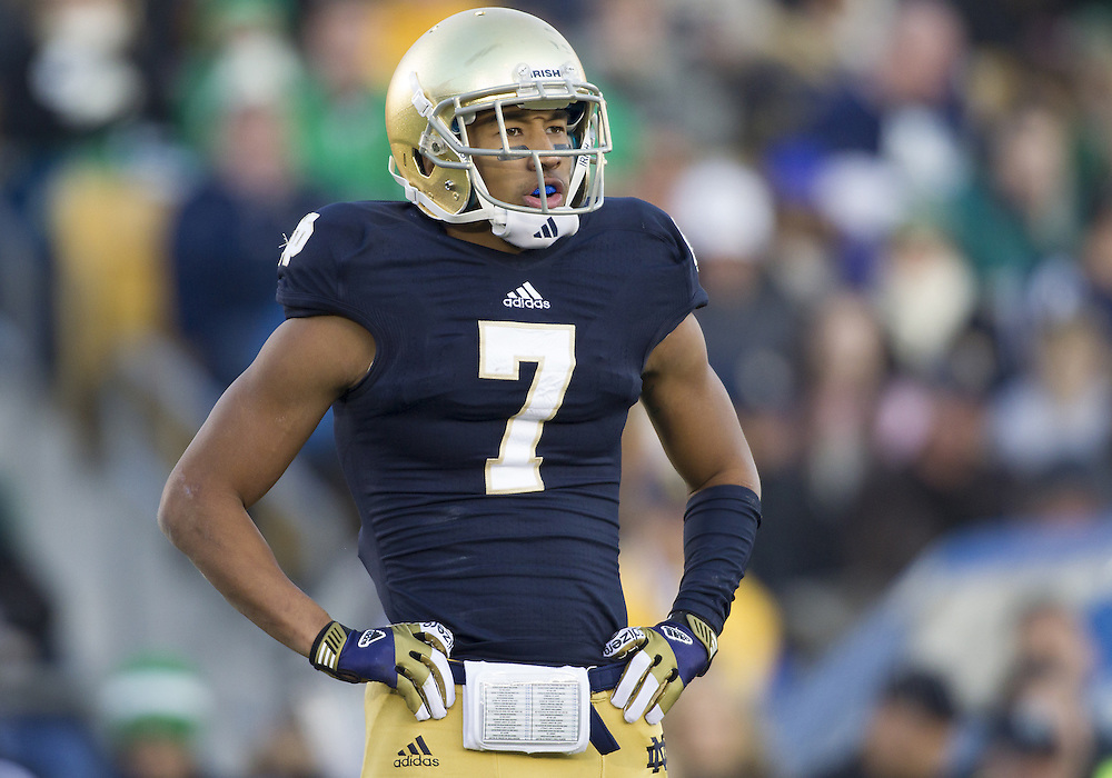 November 17, 2012:  Notre Dame wide receiver TJ Jones (7) during NCAA Football game action between the Notre Dame Fighting Irish and the Wake Forest Demon Deacons at Notre Dame Stadium in South Bend, Indiana.  Notre Dame defeated Wake Forest 38-0.