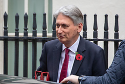 © Licensed to London News Pictures. 06/11/2018. London, UK. Chancellor of the Exchequer Philip Hammond leaving 10 Downing Street after attending a Cabinet meeting this morning. Photo credit : Tom Nicholson/LNP