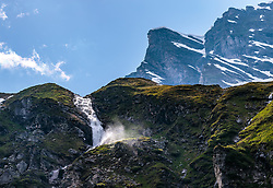 THEMENBILD - ein Gebirgsbach mit Wasserfall und umliegende Berge, aufgenommen am 15. Juni 2017, Kaprun, Österreich // A mountain stream with waterfall and surrounding mountains on 2017/06/15, Kaprun, Austria. EXPA Pictures © 2017, PhotoCredit: EXPA/ JFK