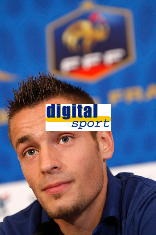 FOOTBALL - UEFA EURO 2012 - DONETSK - UKRAINE - GROUP STAGE - GROUP D - FRANCE PRESS CONFERENCE - 12/06/2012 - PHOTO PHILIPPE LAURENSON / DPPI - MATHIEU DEBUCHY (FRA)
