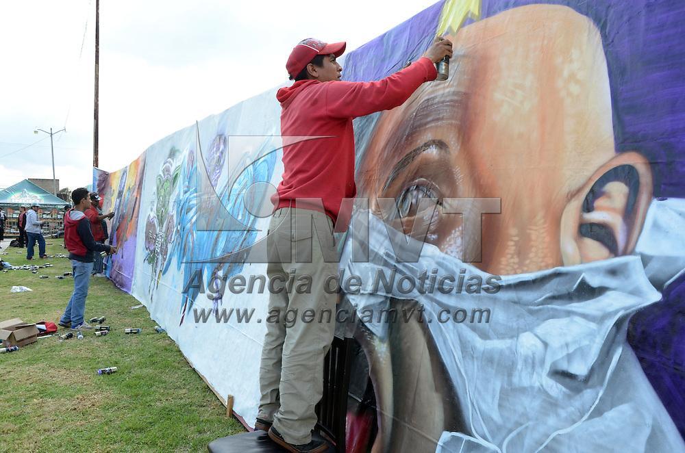 METEPEC, Mexico (Octubre 15,2016).-  El Ex recinto ferial, se vio lleno de colores al observar a un grupo de jóvenes, Cence, Bumek, Dimek, Narverk, Abnoe, Vencen, Gare, y Pikos, quienes mostraron sus habilidades para pintar murales mediante el grafiti, en el marco del festival Quimera 2016. Agencia MVT. José Hernández.