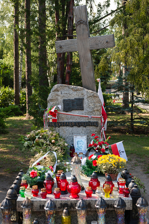 Warsaw, Poland - August 19, 2016: The grave of Ryszard Jerzy Kukliński (June 13, 1930 – February 11, 2004) at Powązki military cemetery in Warsaw. Kukliński was a Polish colonel during the cold War who spied for NATO. He fled Poland in 1981 and died in Tampa, Florida.