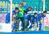 LUCKNOW (India) -   Junior World Cup hockey  U21 for men .  Netherlands v Malaysia (7-2).  Malaysian defense . COPYRIGHT  KOEN SUYK