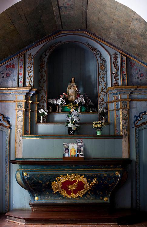 Vitoria_ES, Brasil...Capela de Santa Luzia, a primeira da cidade de Vitoria, Espirito Santo, datada do Sec. XVII. Na foto interior da capela...Santa Luzia Chapel in Vitoria, Espirito Santo, it was built in the seventeenth century. In this photo inside the chapel...Foto: BRUNO MAGALHAES / NITRO