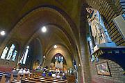Nederland, Leuth, 12-9-2015Eucharistieviering niet in de openlucht vanwege de regen. Dus naar binnen.DGFoto 128615  editie NijmegenFoto: Flip Franssen