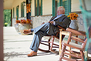 Dale Hansen poses for a portrait at his home in Waxahachie, Texas on September 30, 2017. (Cooper Neill for The New York Times)