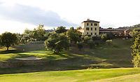 MONTECATINI - Hole 18 op Golfclub Montecatini in Toscane. Montecatini - Montecatini Golf Club en resort, terme, COPYRIGHT KOEN SUYK