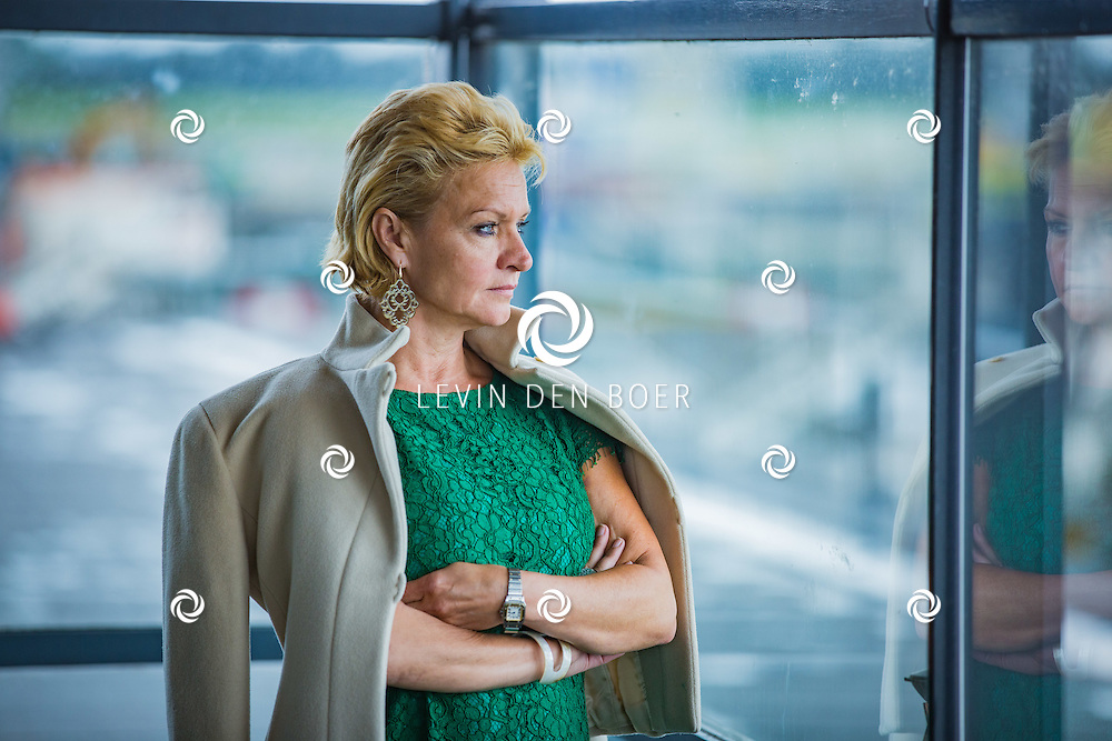 ROTTERDAM - Theater van de Klucht presenteert een nieuwe theaterproductie genaamd 'Boeing Boeing'. Met hier op de foto Mariska van Kolck. FOTO LEVIN EN PAULA PHOTOGRAPHY VOF