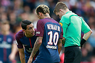 Paris Saint Germain's Argentinian midfielder Angel Di Maria talks to Paris Saint Germain's Brazilian forward Neymar Jr during the French Championship Ligue 1 football match between Paris Saint-Germain and Girondins de Bordeaux on September 30, 2017 at the Parc des Princes stadium in Paris, France - Photo Benjamin Cremel / ProSportsImages / DPPI