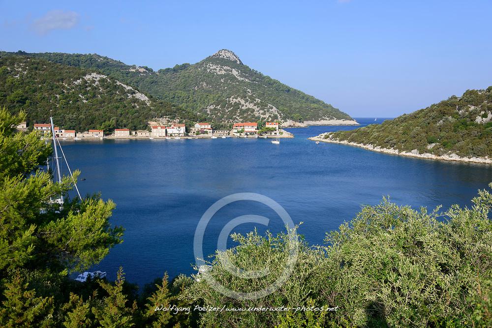 Naturhafen und Bucht von Zaklopatica, Lastovo, Adria, Adriatisches Meer, Mittelmeer, Kroatien, Natural Harbour and Bay of Zaklopatica, Lastovo, Adriatic Sea, Mediterranean Sea, Croatia