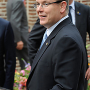 Zijne Hoogheid Prins Albert II van Monaco komt aan op Paleis het Loo met Koning Willem Alexander voor de opening van de tentoonstelling: Grace Kelly<br /> <br /> His Highness Prince Albert II of Monaco arrives Palace Het Loo with King Willem Alexander for the Opening of the exibition Grace Kelly<br /> <br /> Op de foto / On the photo:  prins Albert II van Monaco / Prince Albert II of Monaco