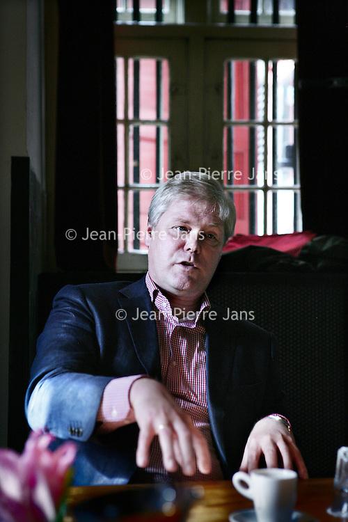 Nederland, Amsterdam ,5 september 2009..Robin Linschoten, Nederlandse ex-politicus, bestuurder en managementconsultant (l) Groen Links partijleider Femke Halsema en voormalig politicus Rick van der Ploeg tijdens het Rondetafelgesprek in de Waag..Foto:Jean-Pierre Jans .Three (partly former) politicians debating on the next political year.
