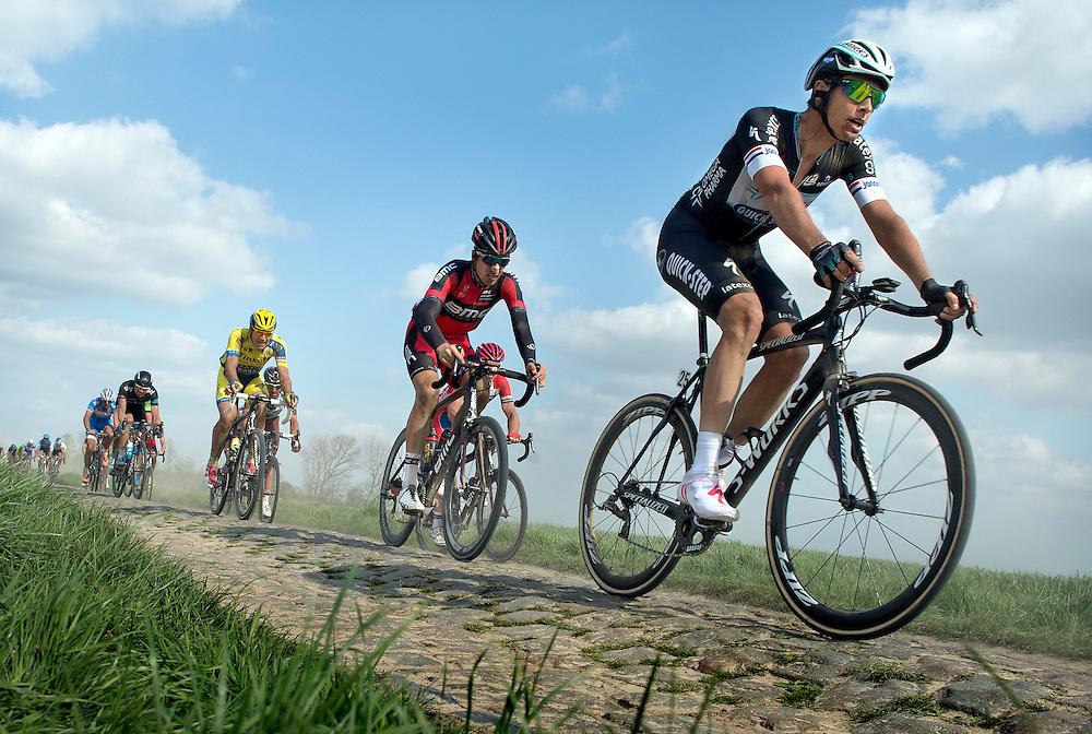 Frankrijk, Camphin-en-Pévlèle, 13-04-2014.<br /> Nikki Terpstra op de kasseienstrook van Camphin-en-Pévèle op 20 km van de aankomst. Terpstra wint Parijs-Roubaix.<br /> Foto: Klaas Jan van der Weij
