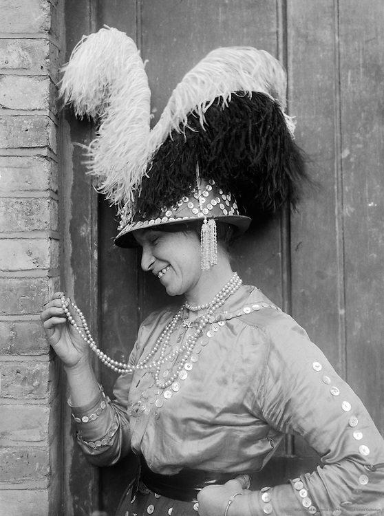 """""""Pearlies,"""" Miss Simmons, England 1922"""
