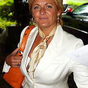 NLD/Vierhouten/20050530 - Society vrouwen rijden de BeauMonde Rally 2005, Caroline Tensen