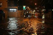 Belo Horizonte_MG, Brasil...Alagamento da rua Joaquim Murtinho, bairro Santo Antonio, apos temporal em Belo Horizonte...The flooding in the Joaquim Murtinho street, Santo Antonio neighborhood, after the rain in Belo Horizonte...MARCUS DESIMONI / NITRO