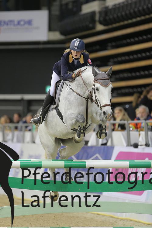 Weber, Lara Cumaro<br /> Oldenburg - Oldenburger Pferdetage 2013<br /> Internationales Springen<br /> © www.sportfotos-lafrentz.de / Stefan Lafrentz