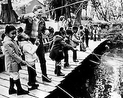 Mount Zion students fished at Springbrook Trout Farm. (Ron DeRosa / The Seattle Times, 1978)