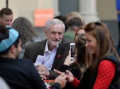 Jeremy Corbyn meets the homeless, Edinburgh, 16 December 2018