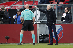 (L-R) referee Siemen Mulder, coach Erik ten Hag of FC Utrecht during the Dutch Eredivisie match between FC Utrecht and Heracles Almelo at the Galgenwaard Stadium on December 17, 2017 in Utrecht, The Netherlands