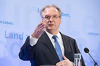 16 MAR 2017, BERLIN/GERMANY:<br /> Reiner Haseloff, CDU, Ministerpraesident Sachsen-Anhalt, waehrend einer Pressekonferenz nach einer Sitzung der Ministerpraesidentenkonferenz, Bundesrat<br /> IMAGE: 20170316-02-006<br /> KEYWORDS: Ministerpräsidentenkonferenz, MPK