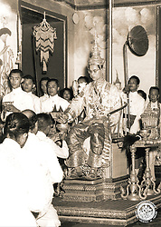 King Bhumibol Adulyadej of Thailand during the oath ceremony in 1950, 4 years after his accession to the throne, in Bangkok, Thailand. Photo by ABACAPRESS.COM    99887_06 Thaïlande Thailand