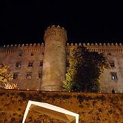 ITA/Bracchiano/20061118 - Huwelijk Tom Cruise en Katie Holmes, kasteel Brachianno verlicht s'avonds