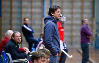 HEILOO - Kampong coach Pieter Bos van Kampong tijdens competitiewedstrijd zaalhockey tussen de mannen van Kampong en Almere.    COPYRIGHT KOEN SUYK