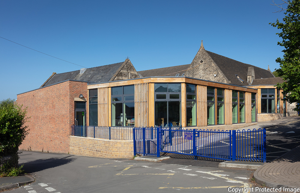 Chalford Hill Primary School by Roberts Limbrick Architects